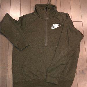 Nike Half- Zip!!